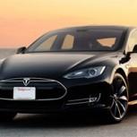 """Tesla Modelo S: El """"auto perfecto"""" que enciende la polémica"""