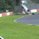 Impactante accidente de auto en mítica pista de velocidad alemana: Videos sobrecogedores