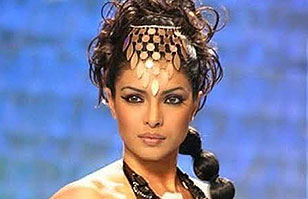 Priyanka Chopra, la actriz india más famosa del momento sufre abuso de Photoshop en revista