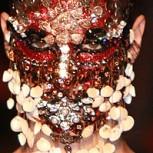 Maquilladora crea impresionante máscara para Givenchy