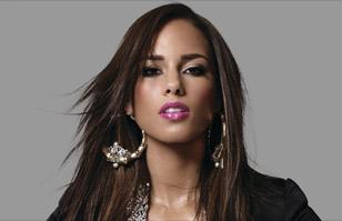 """Alicia Keys dice adiós al maquillaje: """"No deseo cubrirme más, ni mi cara ni mi alma"""""""