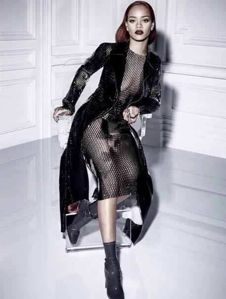 Rihanna impacta con producci n fotogr fica sin ropa for Rihanna sin ropa interior