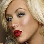 """Christina Aguilera sorprende con radical cambio de look: A lo """"Jessica Rabbit"""""""