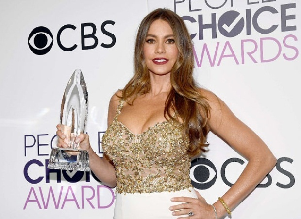 Sofía Vergara sorprendió por original y arriesgado diseño en los People's Choice Awards 2017