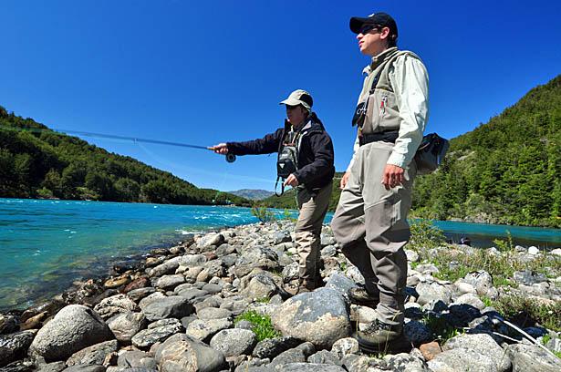 Guía de pesca con mosca en terreno