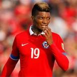 Junior Fernandes fue trending topic en su regreso a la Roja por burlas de hinchas