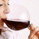 Investigadores aseguran que una copa de vino y una hora de ejercicio son exactamente lo mismo