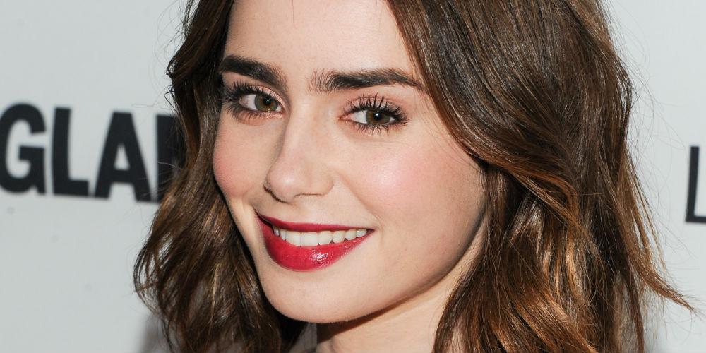 Lily collins enfrenta pesadillas personales en su nueva for Cejas para cara cuadrada