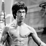 """Dragon flag"": La extenuante rutina de Bruce Lee para conseguir el ""six pack"" perfecto"