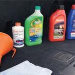 5 cosas que nunca debes hacer con los líquidos de tu auto: Riesgos que debes conocer