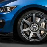 ¿Cómo limpiar bien las llantas de tu auto?