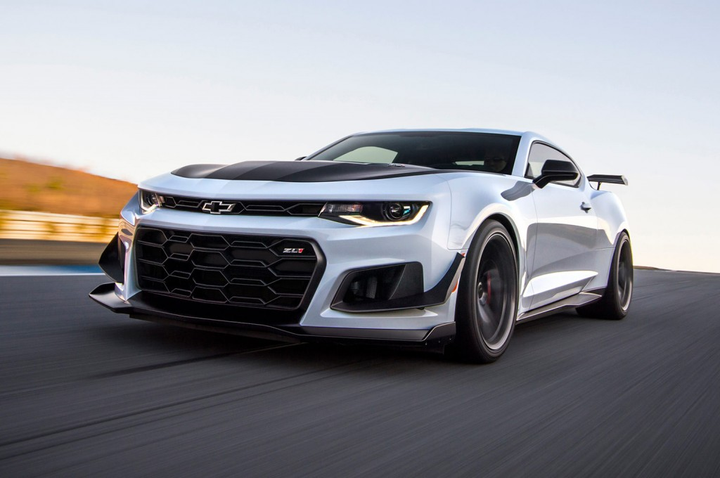 2018-Chevrolet-Camaro-ZL1-1LE-front-three-quarter-in-motion-02-e1487980887207