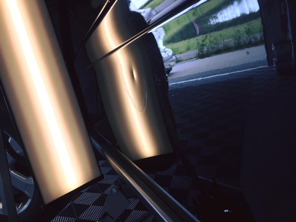 Nueva técnica repara los abollones de autos en minutos: Conoce sus detalles