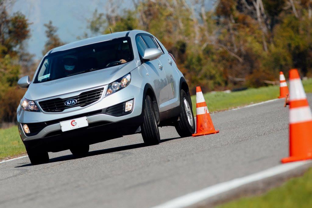 Conociendo los límites del automóvil en el autódromo de Vizcachas: Seguridad y control del vehículo