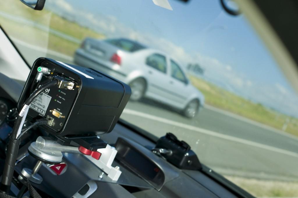 Francia implementa radares privados para el control de velocidad y la controversia se dispara