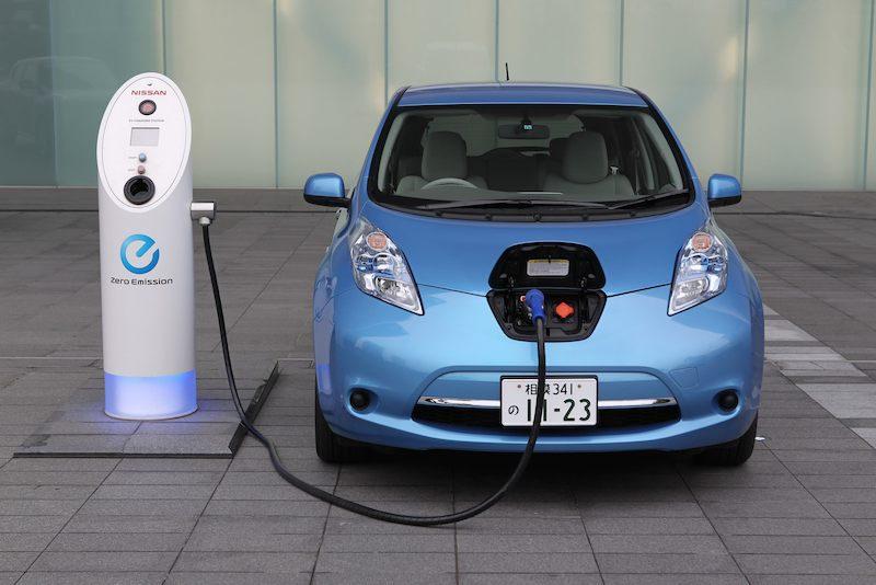Â¿En qué fijarse al comprar un auto eléctrico? Información muy útil para una tendencia cada vez mayor