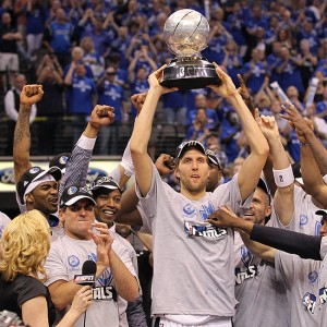 Dirk Nowitzki campeón con Dallas Mavericks