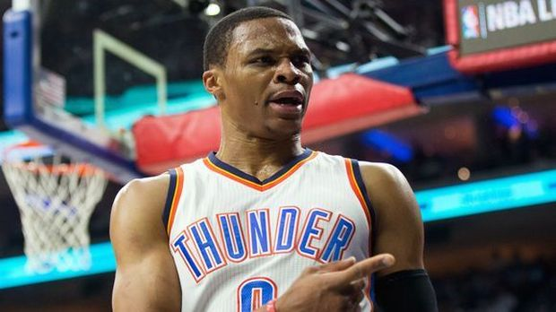 Russell Westbrook sigue haciendo historia en la NBA marcando un perfecto triple doble