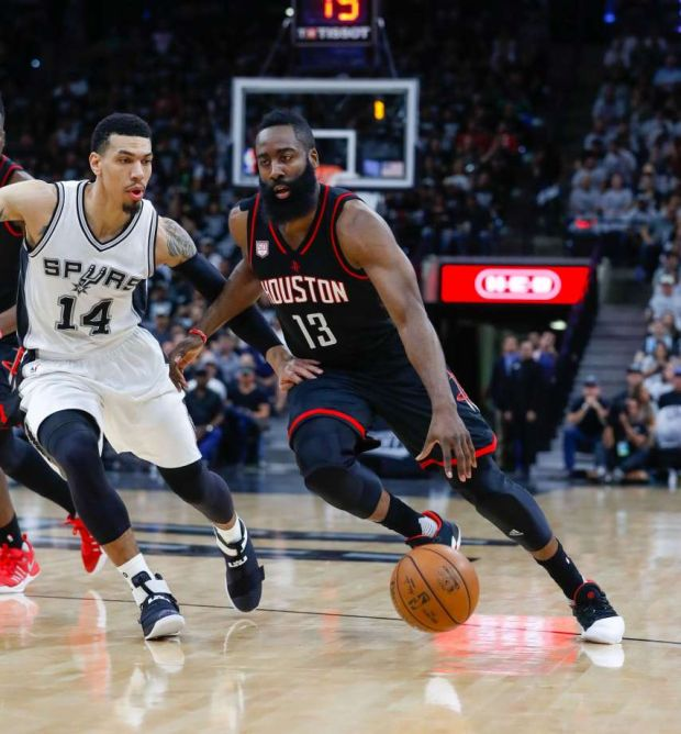 Histórica paliza de Houston a San Antonio en los playoffs de la NBA