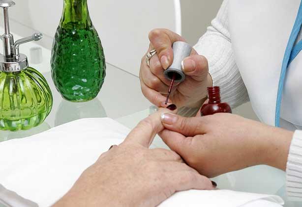 Cómo Hacer Manicure