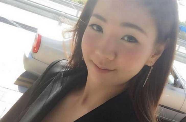 Webcam chica de peru mostrando gran culo abierto - 2 part 2