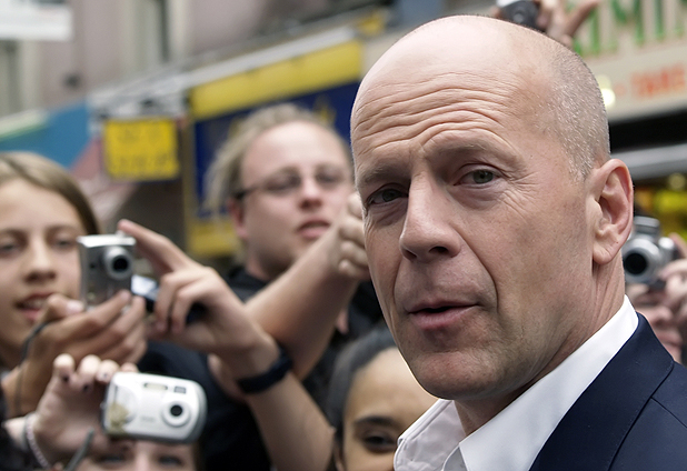 bruce-willis-calvo
