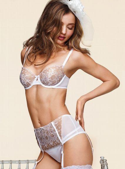 030ad8755ad5 Modelos de Victoria's Secret con lencería para bodas: Ideas para las ...