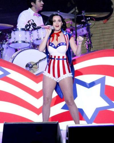 famosas patrióticas desnudas