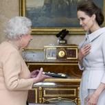 Angelina Jolie recibió título de parte de la reina Isabel por rol contra violencia sexual