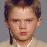 """""""Anakin Skywalker"""" detenido por conducción temeraria: Así luce hoy el actor, a sus 26 años"""