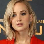 Jennifer Lawrence se cae por tercera vez: imágenes de sus elegantes porrazos