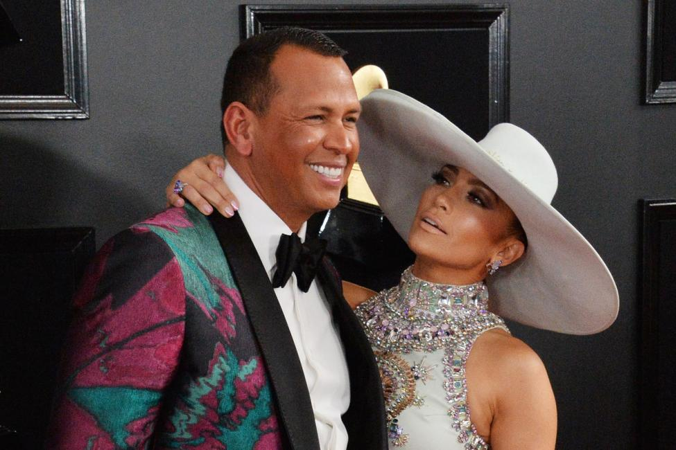 Jennifer-Lopez-Alex-Rodriguez-announce-engagement