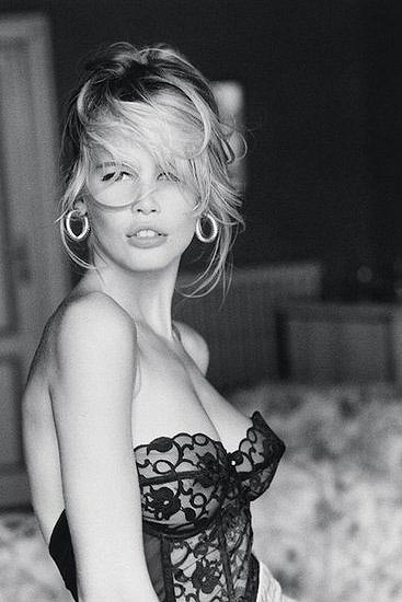 ayer-claudia-schiffer-1-a
