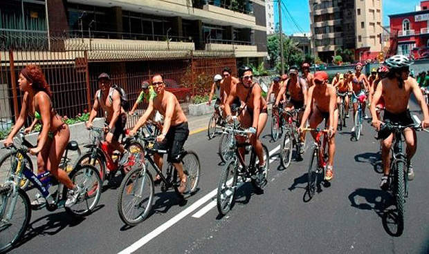 Cicletada nudista