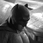 "Primera imagen de Ben Affleck como Batman junto al Batimóvil: Adelanto de ""Batman vs. Superman"""