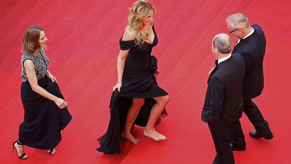 julia-roberts-descalza-en-cannes