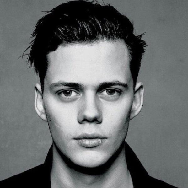 bill-skarsgard-actor-it-pennywise-2