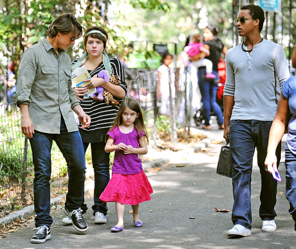 connor-isabella-cruise-suri-2010
