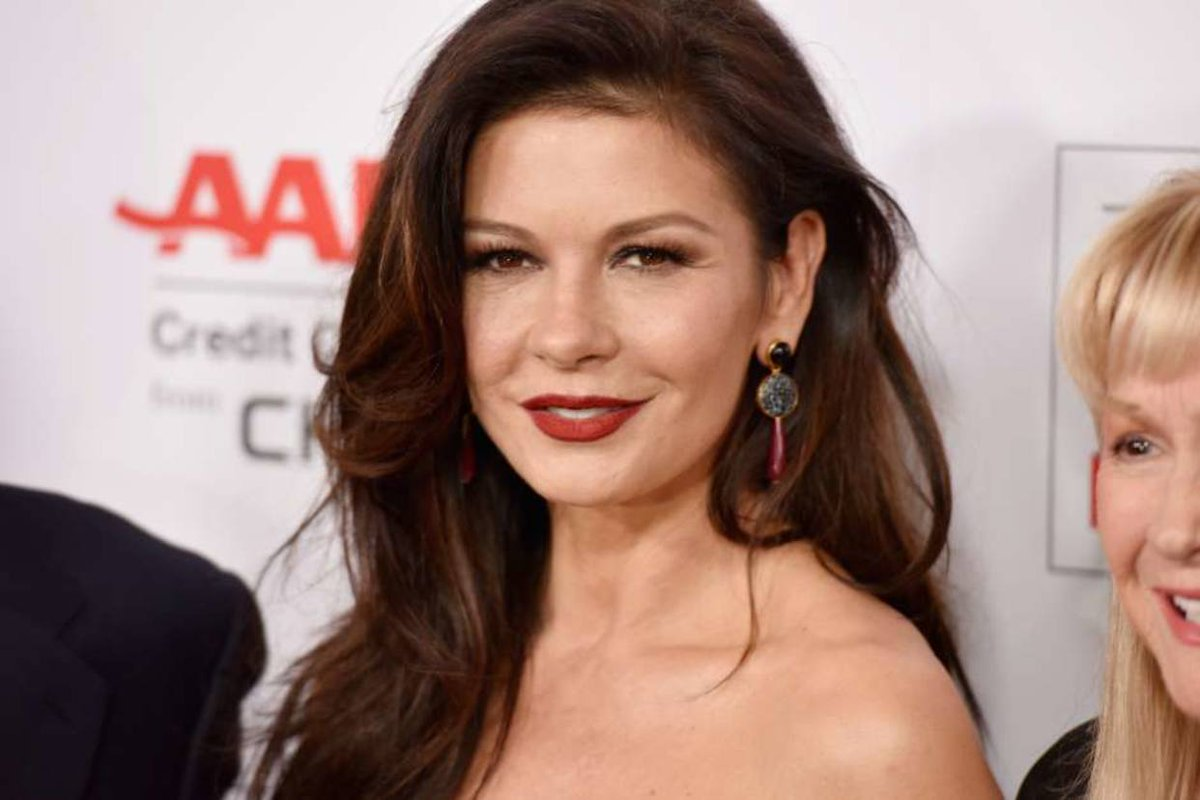 catherine zeta jones doble  de cuerpo