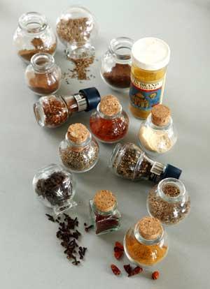 Gu a de hierbas y especias arom ticas para cocinar cocina for Cultivo de plantas aromaticas y especias