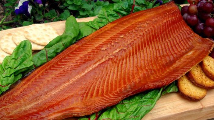 C mo ahumar salm n receta que encantar a tus invitados for Como se cocina el salmon