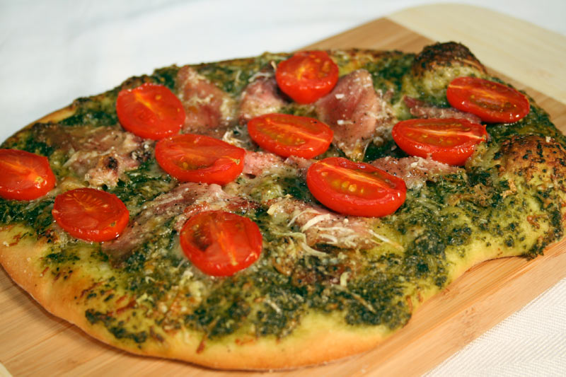 Ham-And-Tomato-Pizza-With-Pesto-2