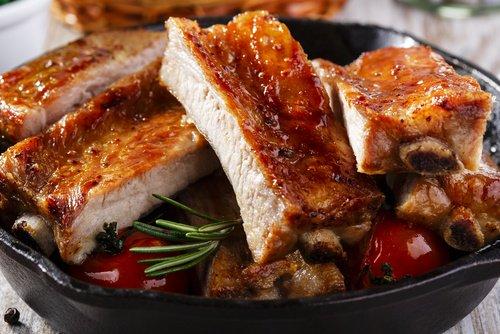 Costillar de cerdo al horno f cil receta para preparar en for Lechon al horno de cocina