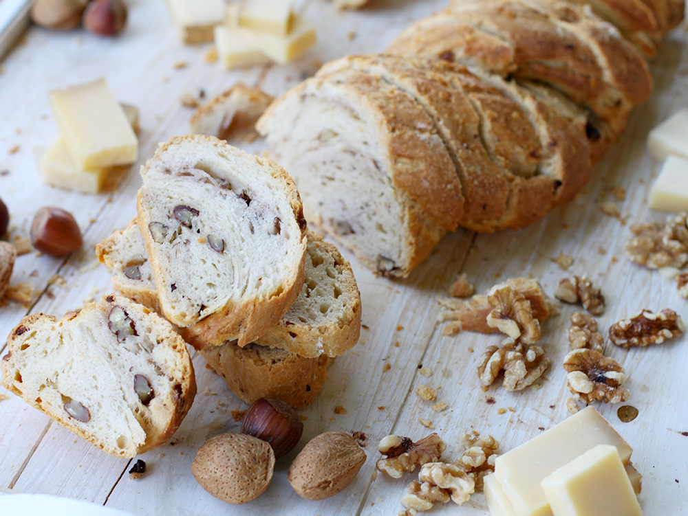 Pan de Queso y Nueces - Foto: www.forncancoves.com