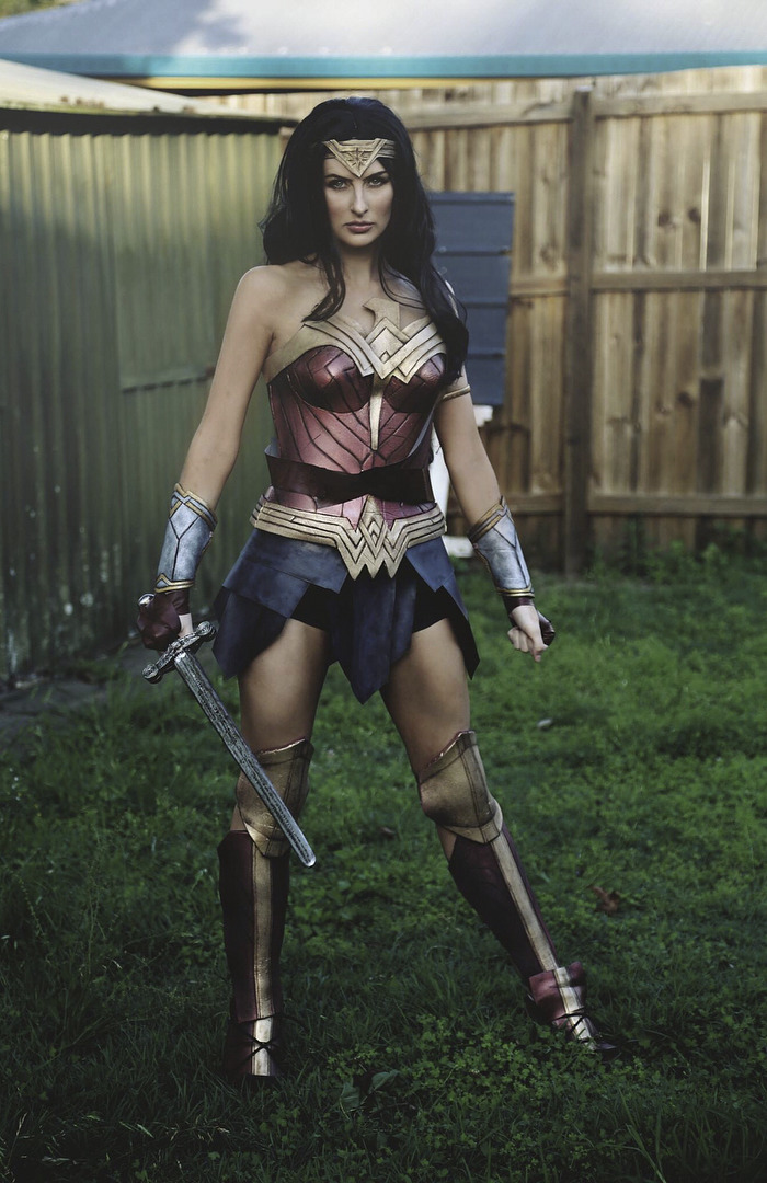 wonder-woman-costume-rhylee-passfield-rermakeup-7-5a16d859b51bc-png__700