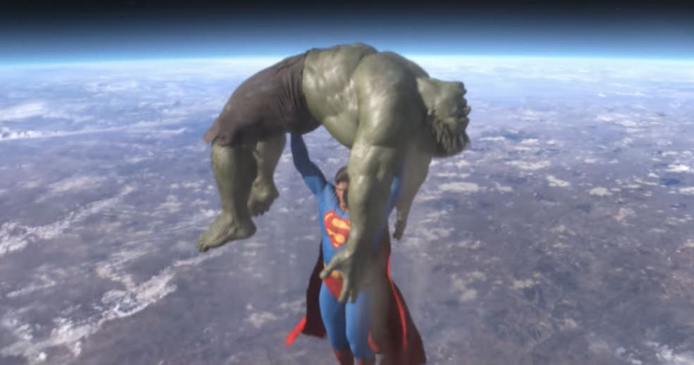 superman-hulk-in-space