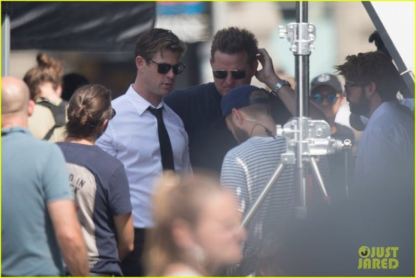 Chris-Hemsworth-piensa-hacernos-babear-en-Men-In-Black-402