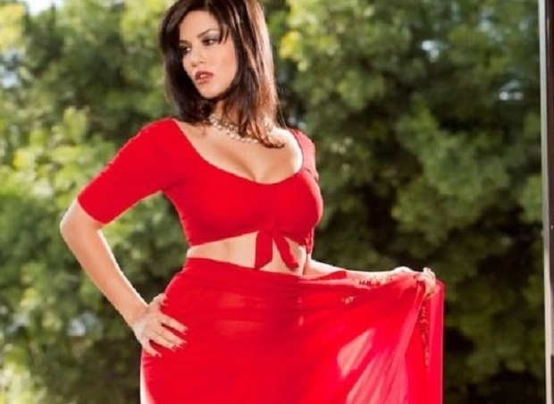 Sunny-Leone-Photos-in-Saree