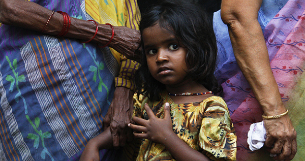 niños en India son obligados a mendigar