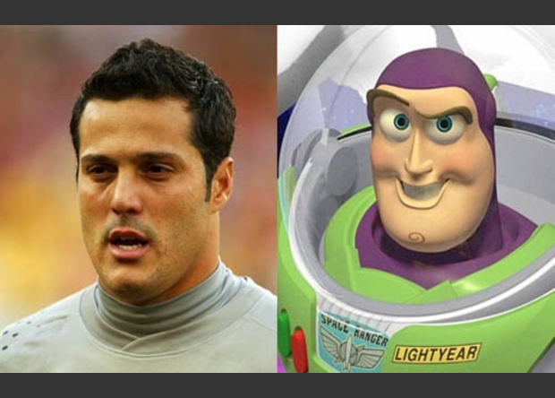 Julio César / Buzz Lightyear (Toy Story)